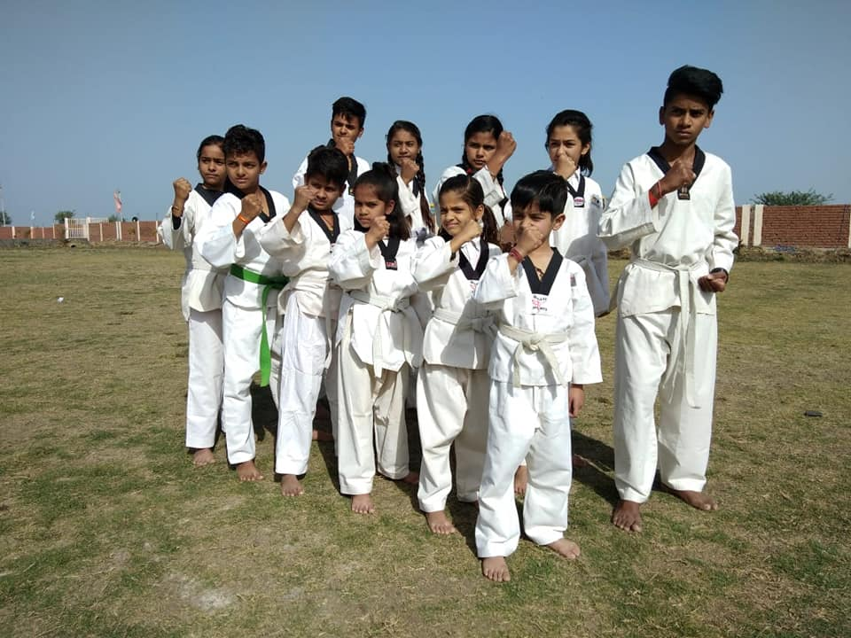 Students_Raghu_School